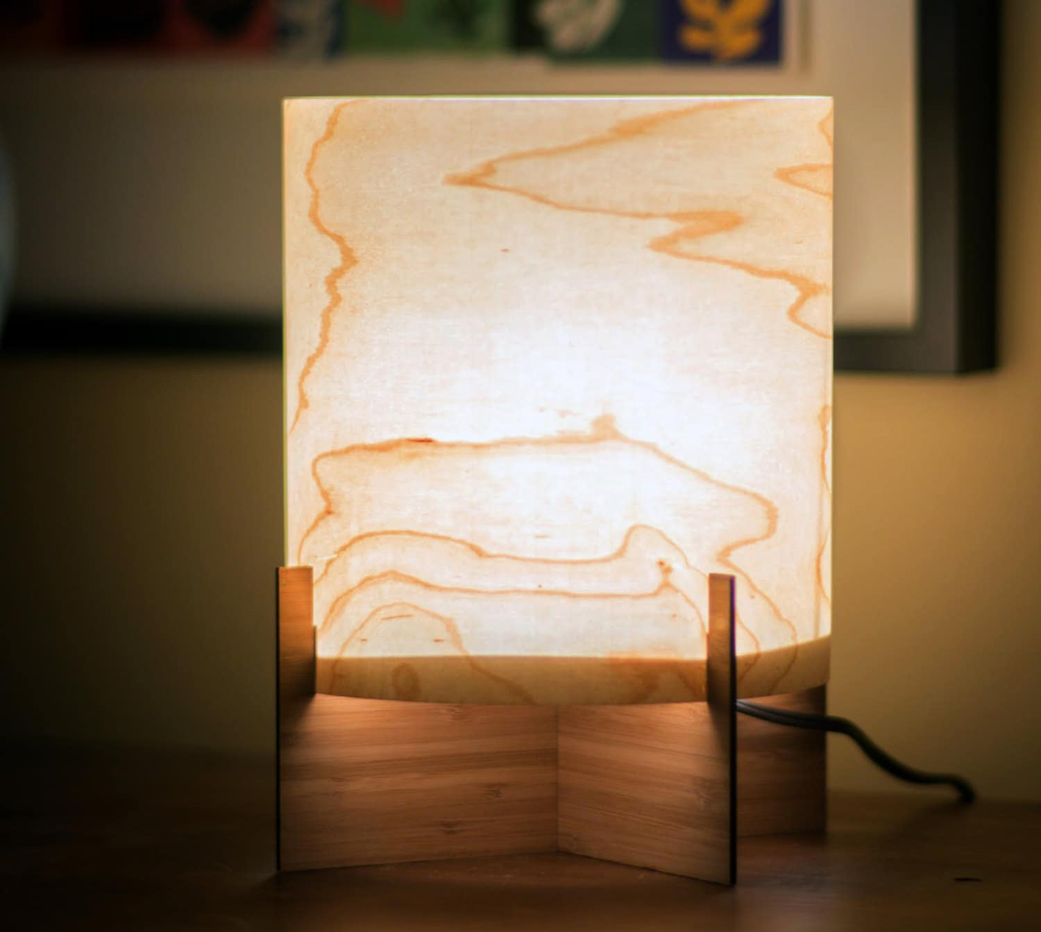 Ember Series Modern Maple Wood Veneer Table Lamp By