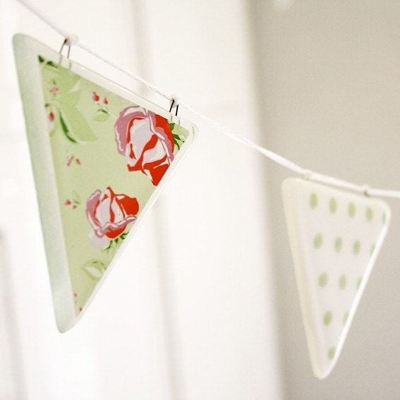 Glass Bunting - green print