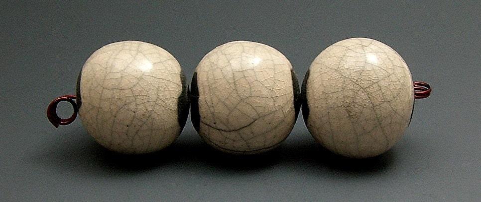 Raku Beads White Crackle Set of 3 Raku Ceramic Jewelry Supplies Handmade by MAKUstudio
