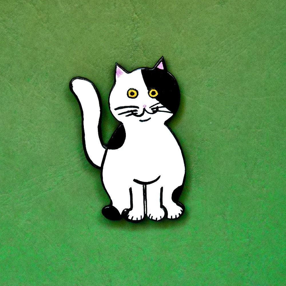 black and white kitty cat. TEO kitty cat magnet lack and white wood OOAK. From 9kitties