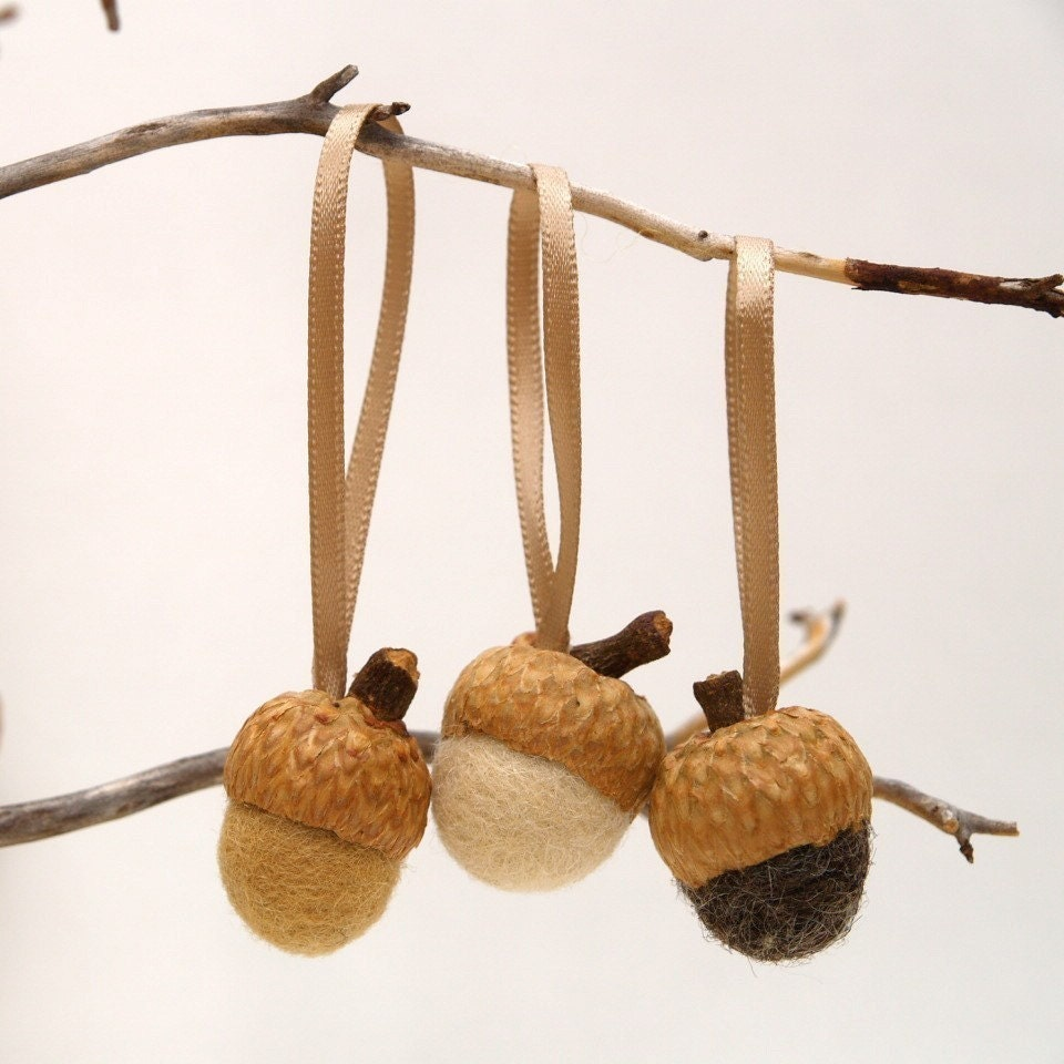 Acorn Christmas Ornaments - Warmth - Set of 24