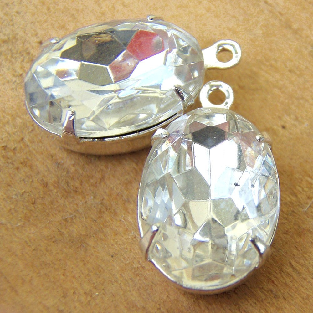 Vintage Glass Crystal Jewels - 14mm x 10mm Ovals in Silver Plated Settings