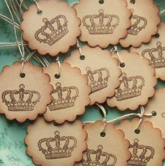 Vintage Inspired Crown Hang Tags - Scalloped Circle - Manila Cream Chocolate Brown