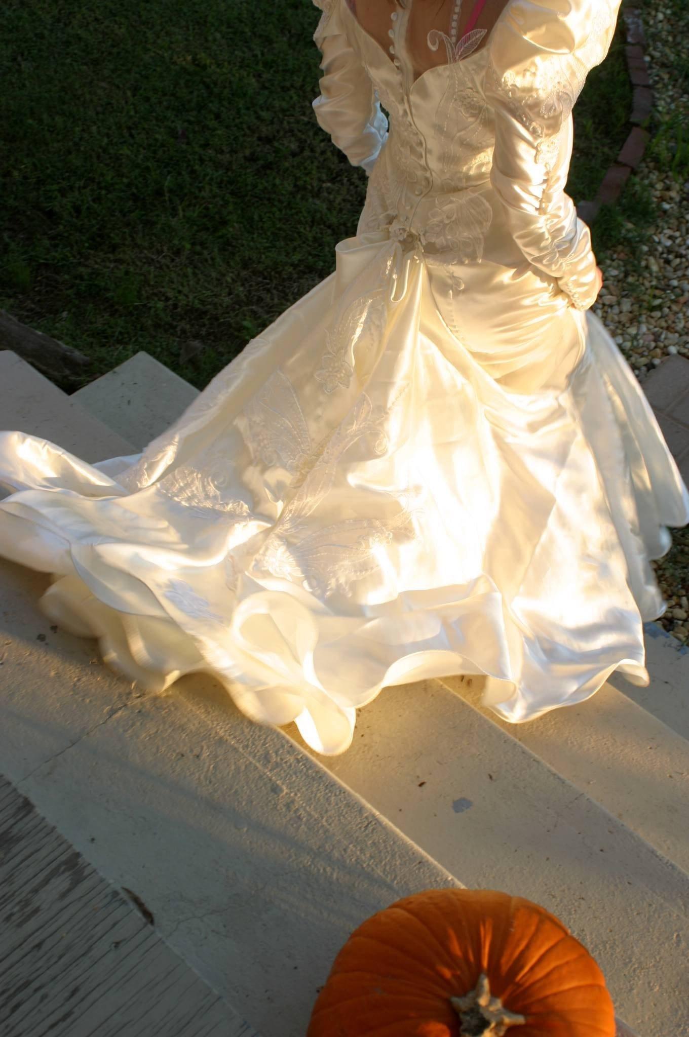 bonny wedding dress style
