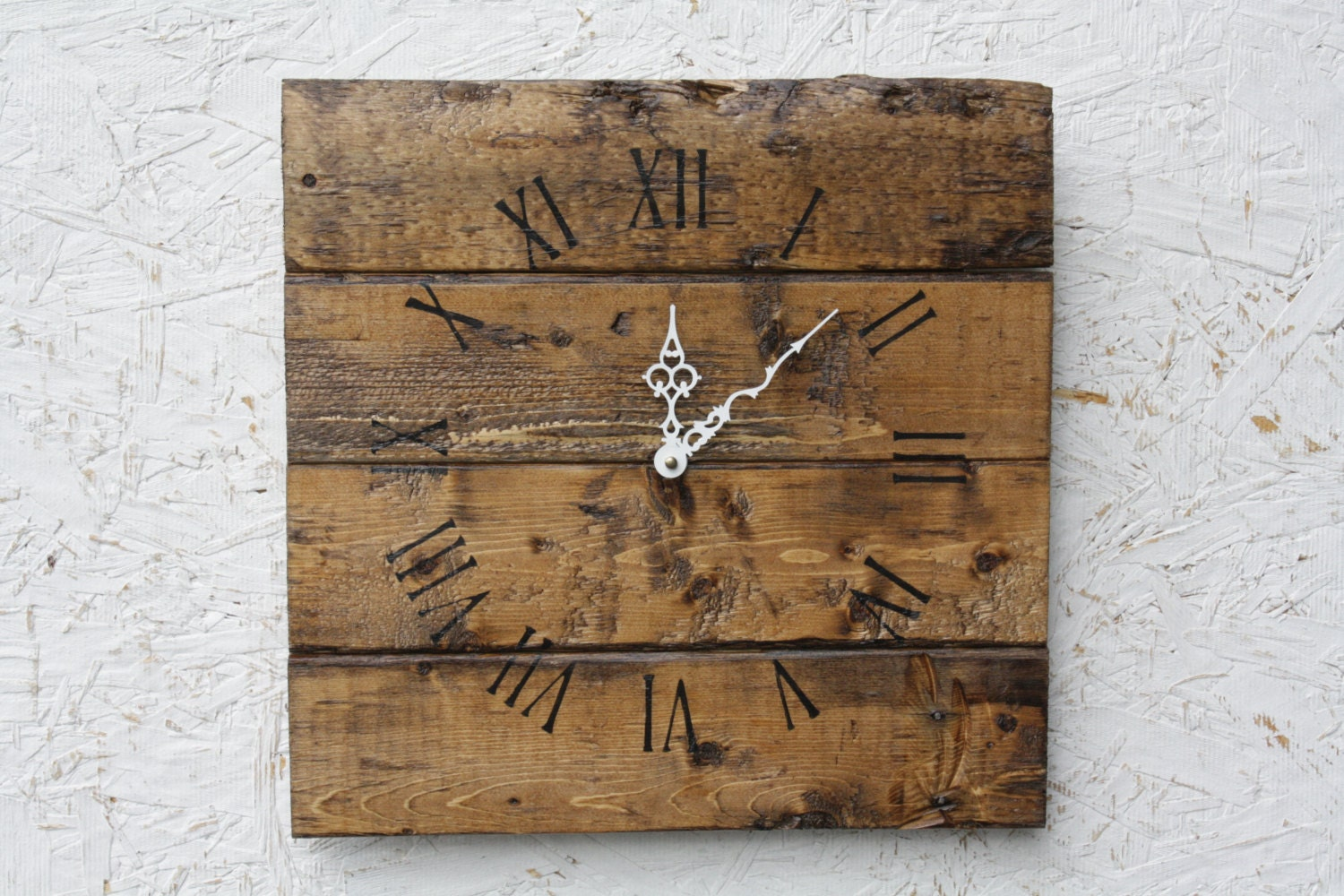 Pallet Wood Wall Clock with Early American Stain. Natural Look.  Rustic.  Charming. Customizable.  Wedding.  Housewarming.Gift. - terrafirma79