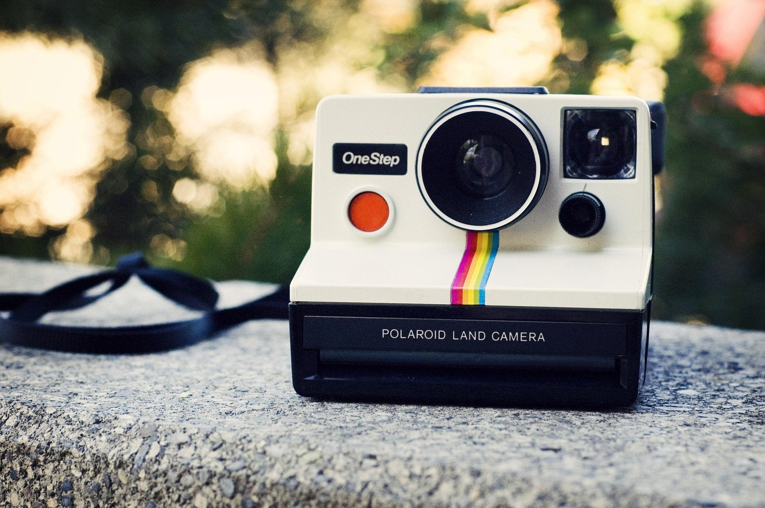 <br />Classic One Step Polaroid Land Camera -- WORKS<br />