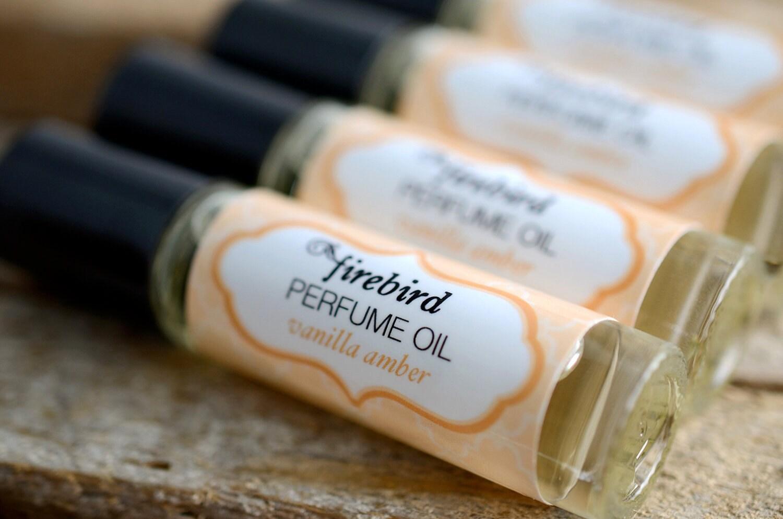Vanilla Amber Perfume Oil - Sweet Vanilla, Cardamom, Sandalwood - Roll On Perfume