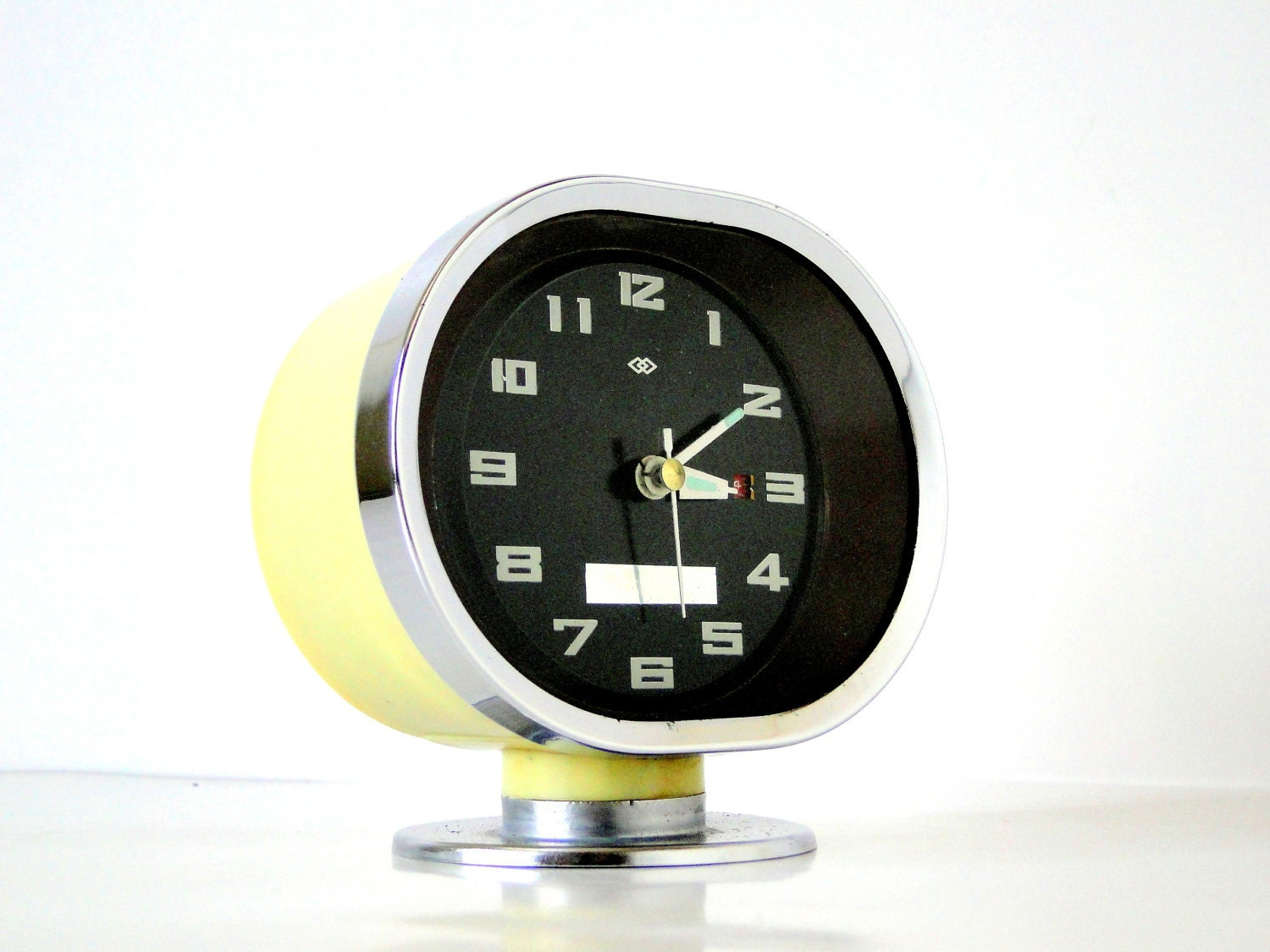 SPACE AGE - Oval - TV - Shaped Retro Alarm Clock - TheBIG8s