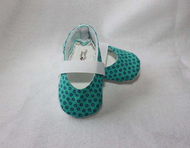 BLUE DAISY-Teal, White, Aqua, Mary Jane Baby Girl Shoe