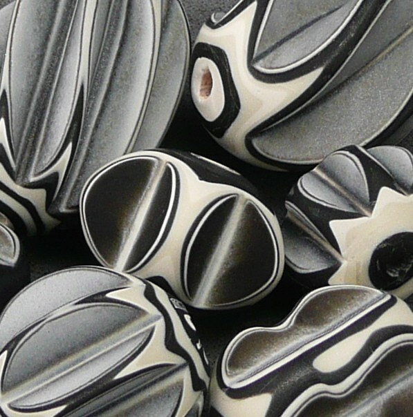 Black and White Lathe-turned Beads (7)