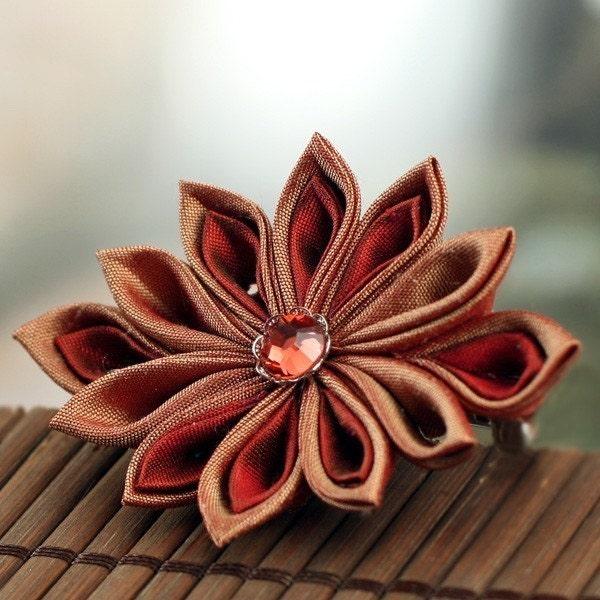 Russet Crimson  - Kanzashi Flower Barrette