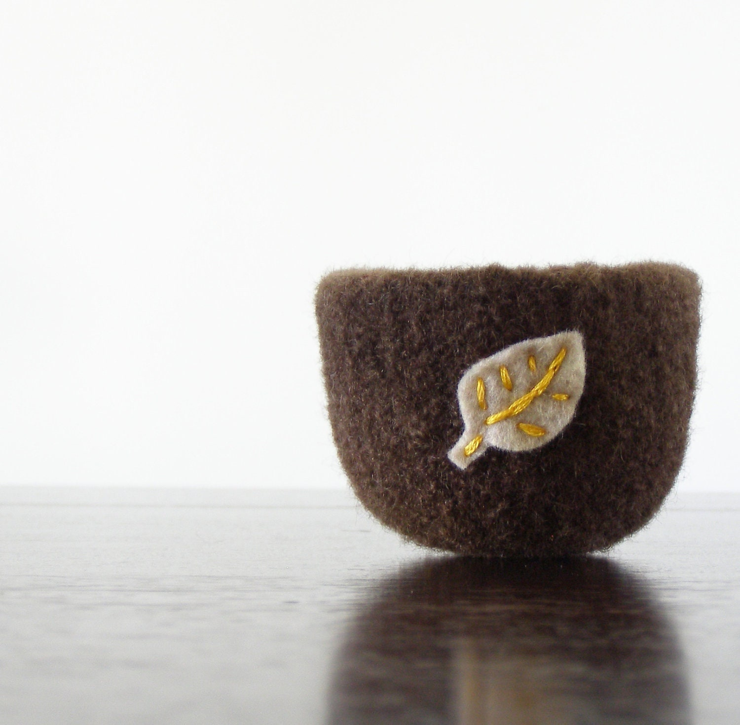 tiny felted bowl - felted wool dark chocolate brown bowl with felt beige leaf - nature inspired autumn home decor - ring holder - theFelterie