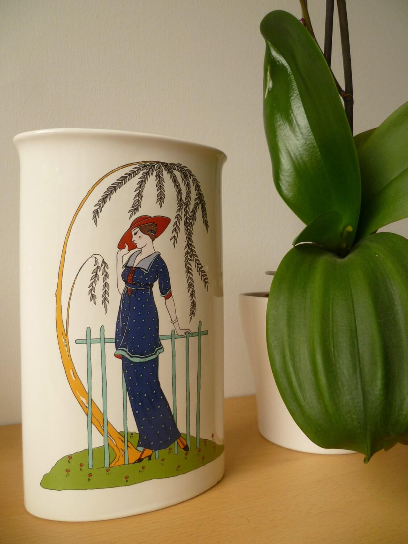 Poole Pottery Vase Art Deco Design shape 594