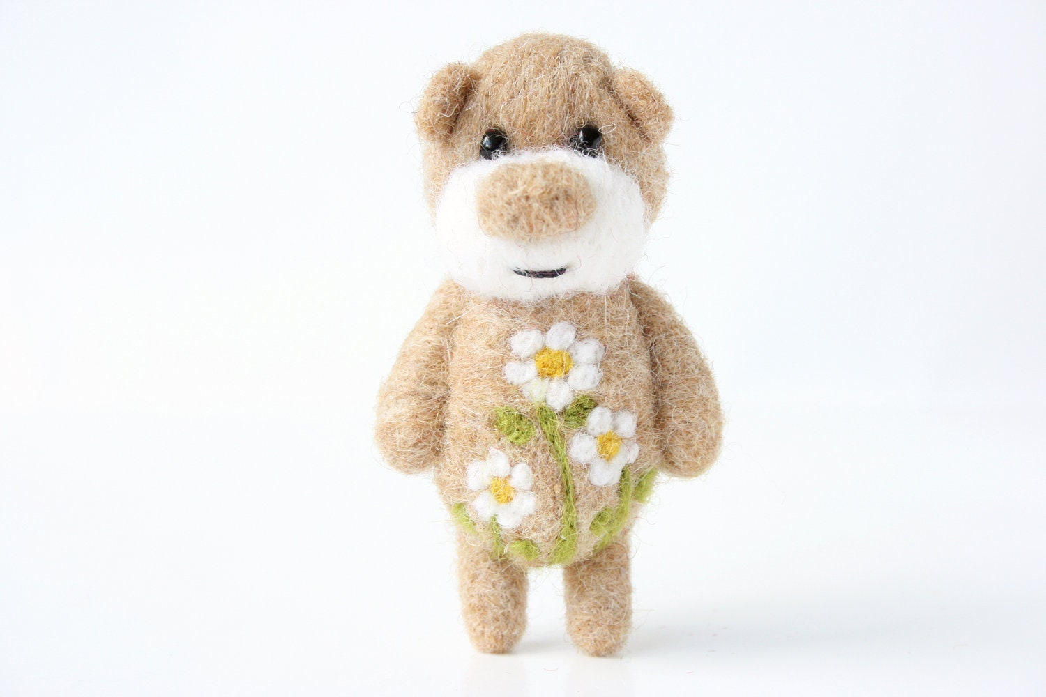 Light brown pocket bear with camomiles 38 - unpetitours