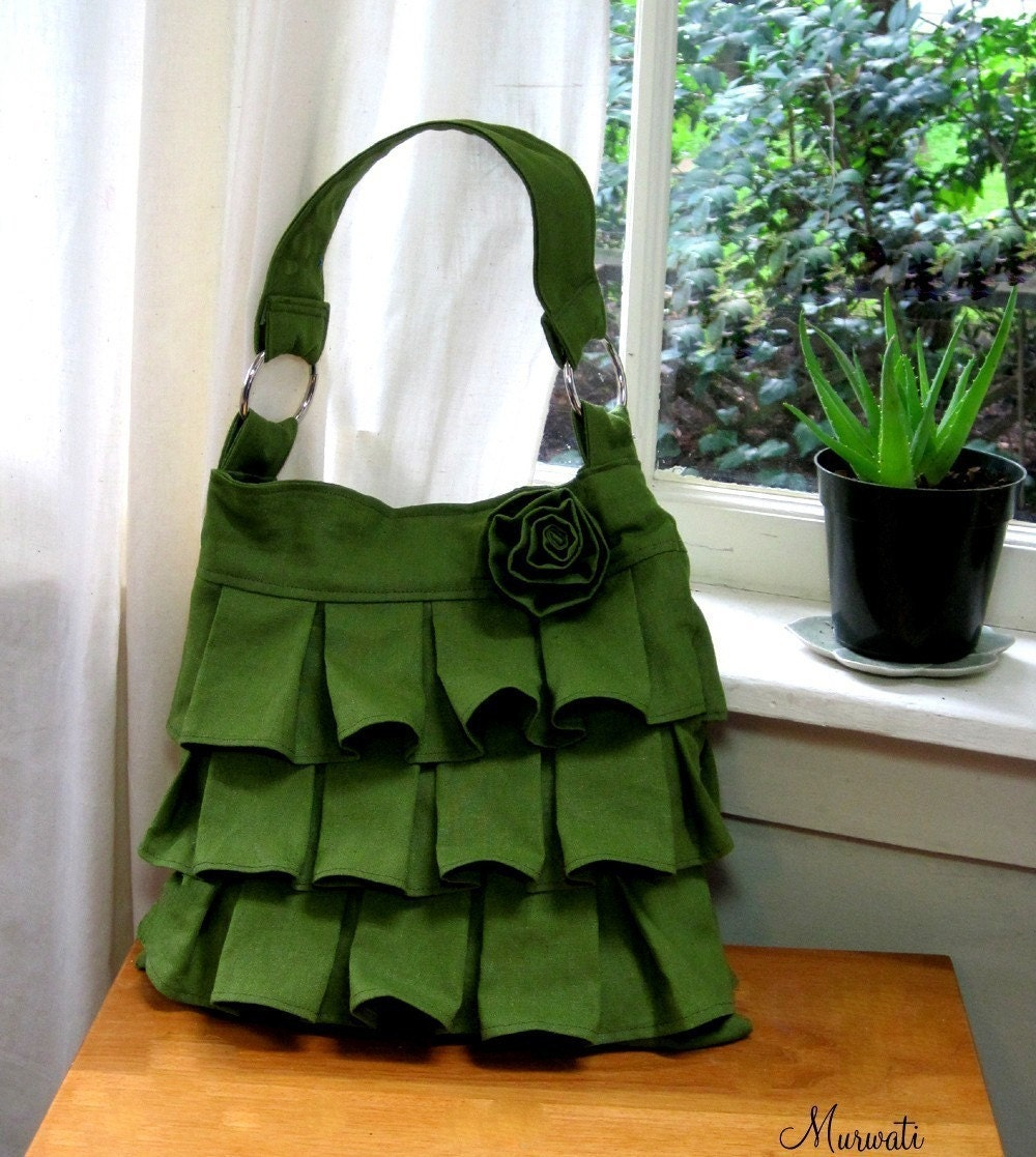 <br />Ruffle Linen Purse with a Rosette-Green-<br />