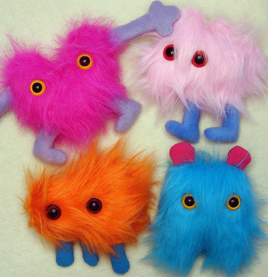 PLUSH CLASS 3/01 Design and Sew Your Own Huggable Plush Creature