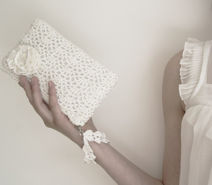 White Queen Rossette Crochet Clutch Bag by KeraSoftwear on Etsy