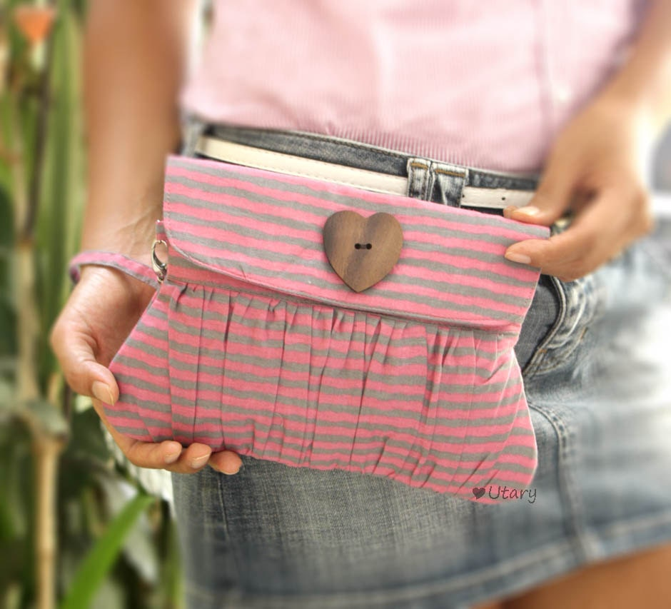 Pleated Purse / Wristlet in pink and grey stripe
