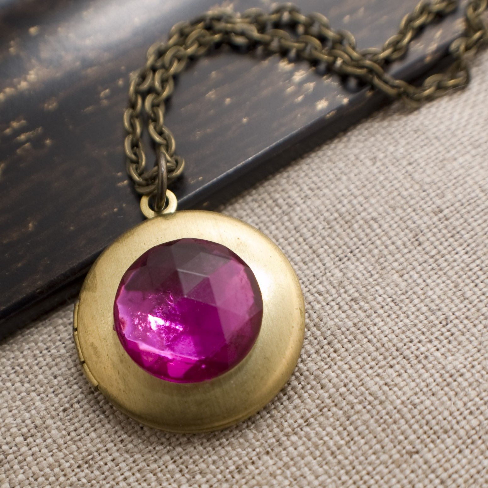 Lucky Girl Fun Locket - Magenta