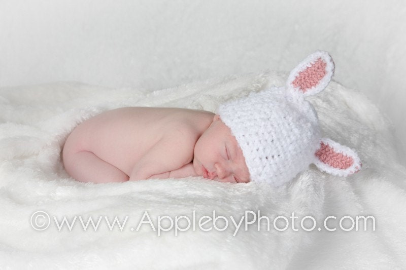 Baby Girl Crochet Bunny Rabbit Hat 0 to 3 Months - White and Pink 0 to 3 Months