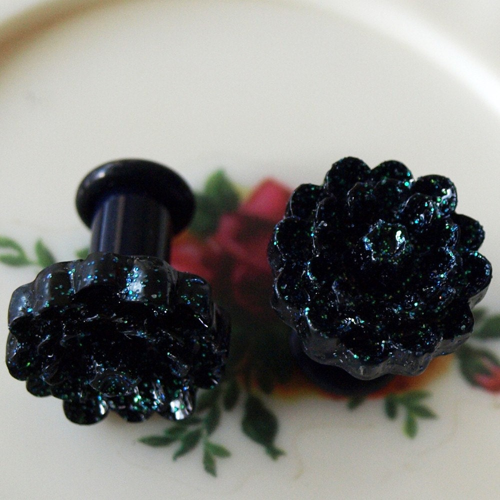 Black Glitter Mum 0g 8mm Plugs Victorian Gothic by glamasaurus