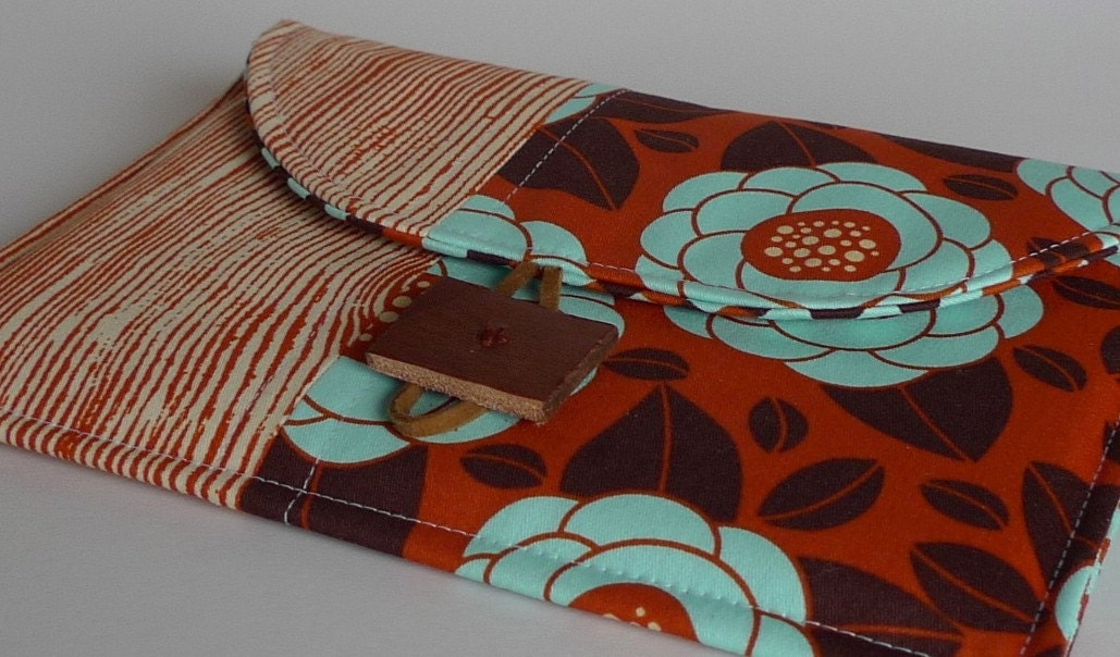 NEW- Petite Pochette for Nook and Kindle 3 In Rust and Seafoam Poppies