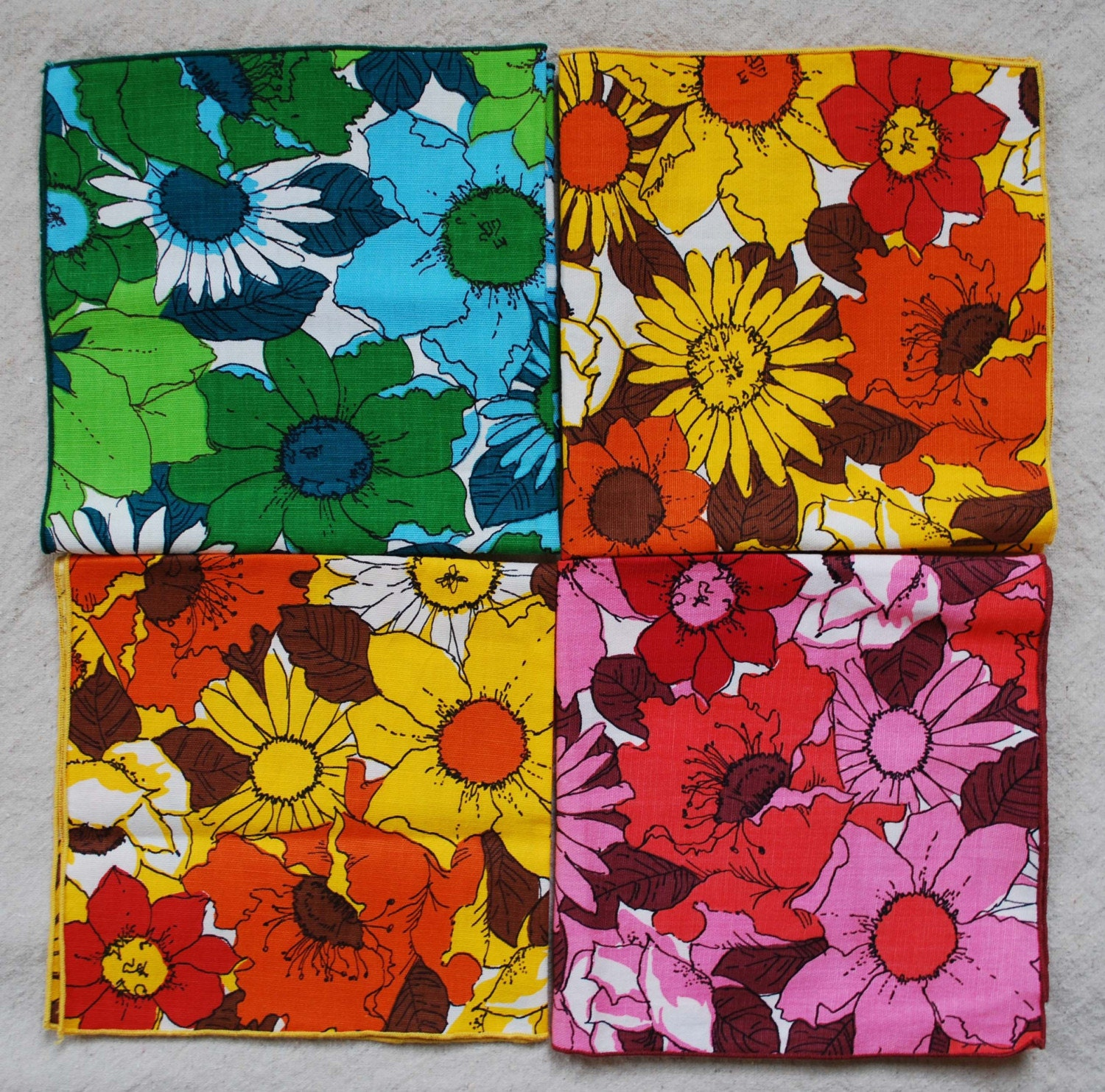 Set of 8 BOLD and BEAUTIFULVintage Cloth Napkins