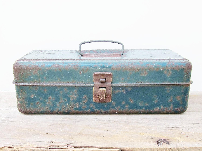 Rusty Metal Tackle Box Teal Blue Green Rustic Fishing Gear Man Cave - jarmfarm