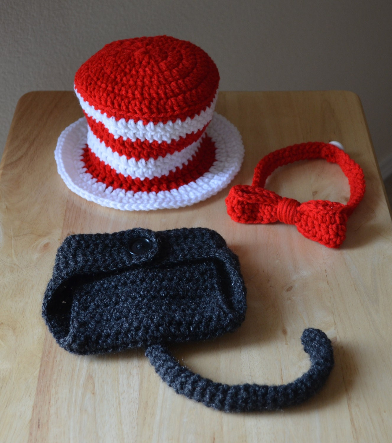 Newborn Crochet Cat Hat Pattern : Items similar to Newborn Crochet Dr Suess Cat in the Hat ...