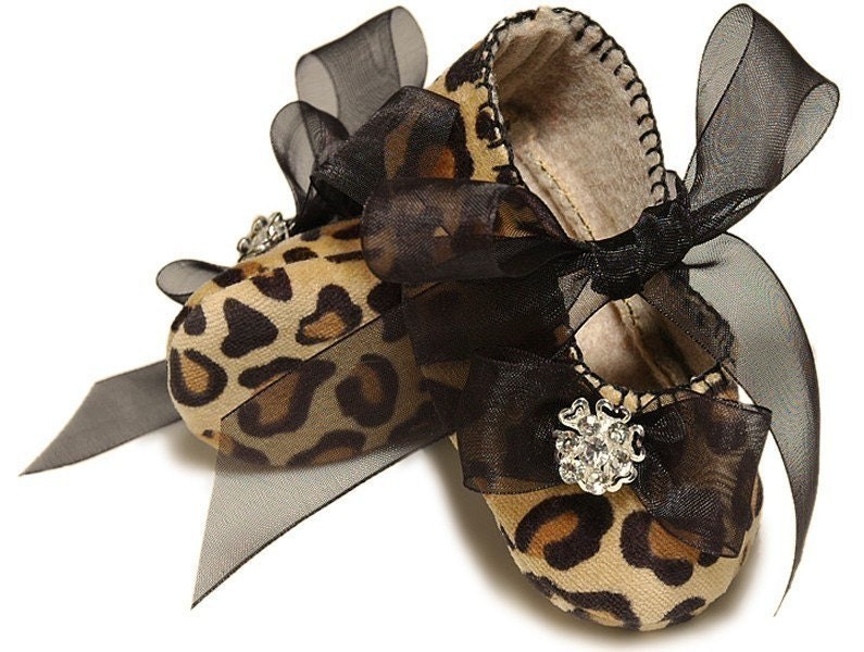 Baby Girl Shoe Suzette in Leopard, slipper/bootie. Trendy, Infant Sizes. Handmade