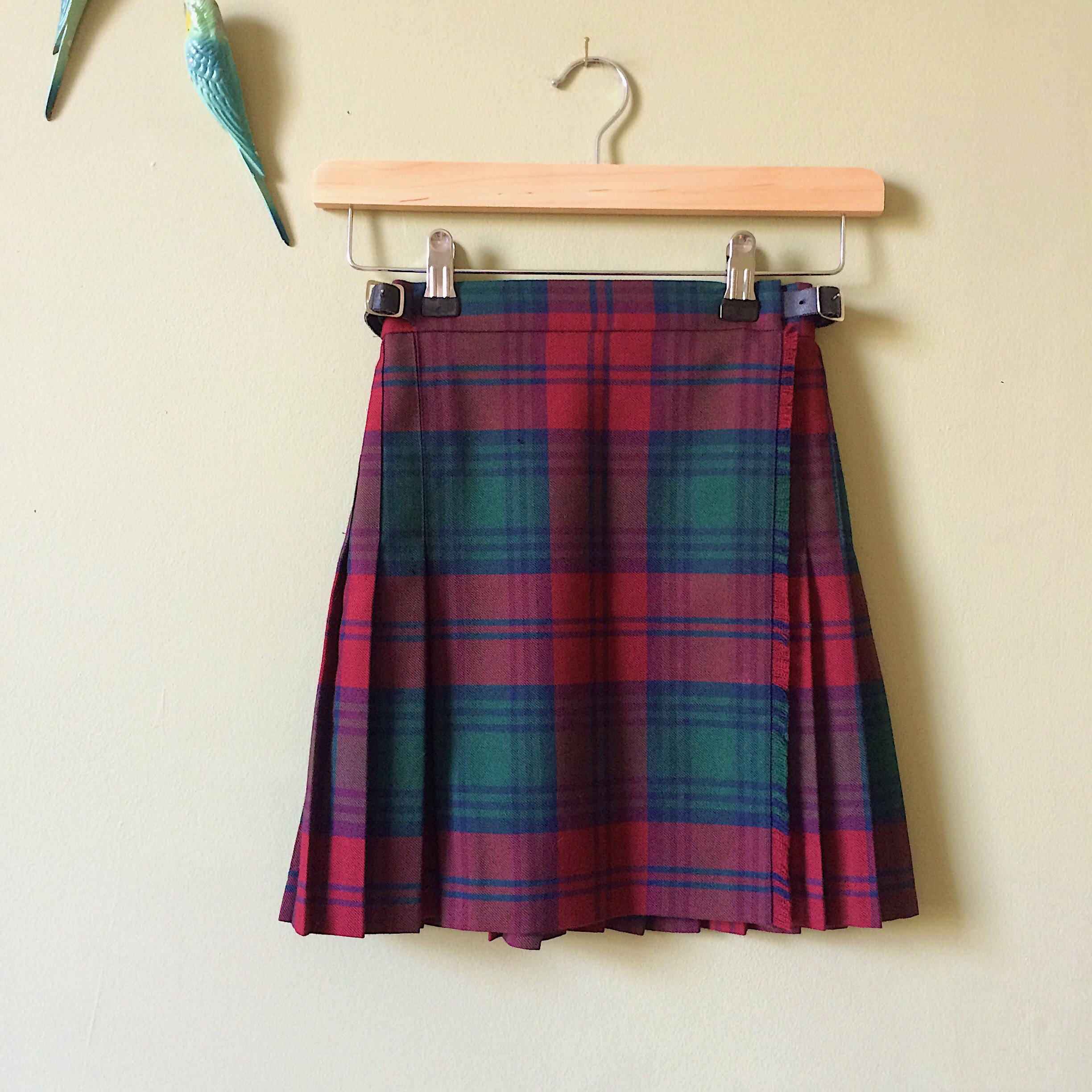 Childs kilt  boys kilt  authentic vintage kilt wool Scottish tartan. Red green Pringle made in Scotland  age 7 years  age 8 years