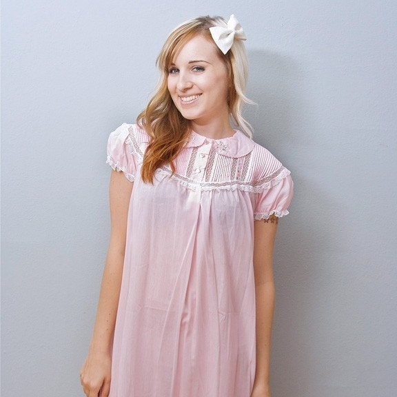 Vintage Pink Babydoll Cap Sleeve Nightie w/ Embroidered Flowers - M