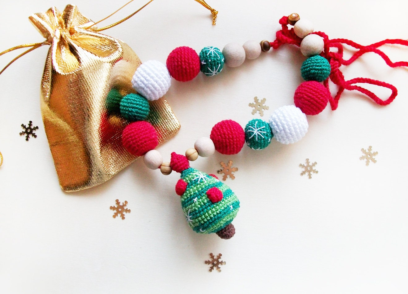 Christmas tree crochet  necklace / Eco-friendly jewellry / Teething Necklace/ Crochet Breastfeeding Necklace/ for moms  and babies - SweetLittleCandyShop
