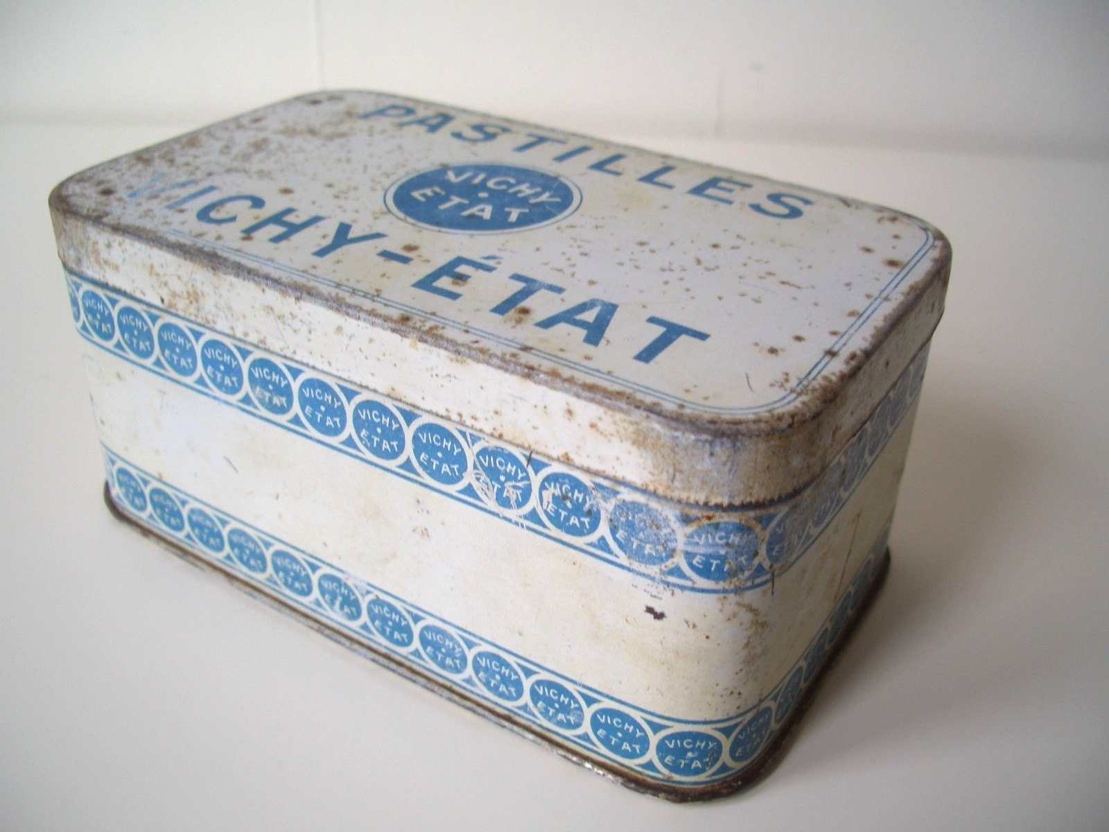 Vintage French Tin - Pastilles Vichy-Etat