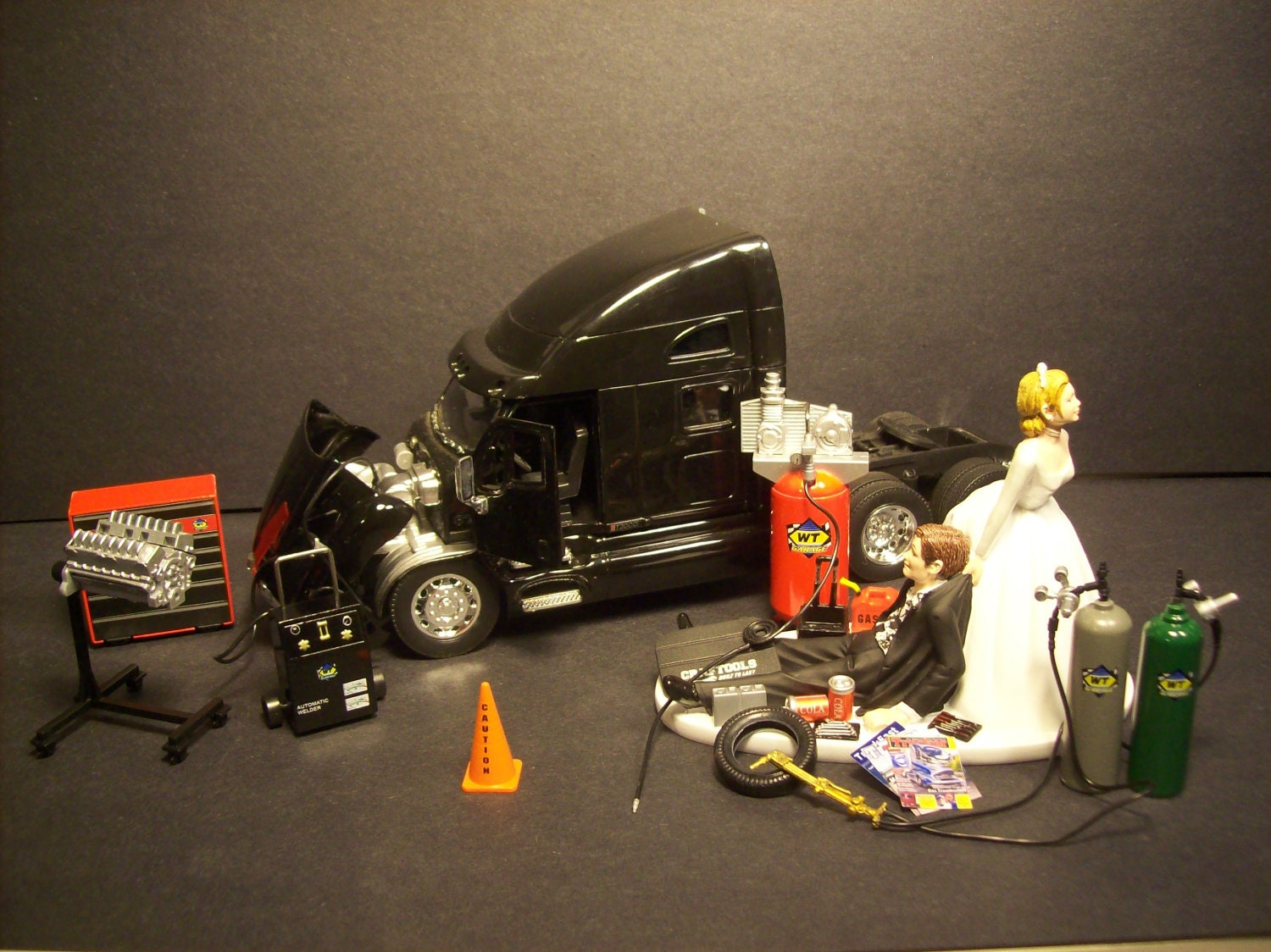 AUTO MECHANIC K W Kenworth T 2000 Black Tractor By Mikeg1968