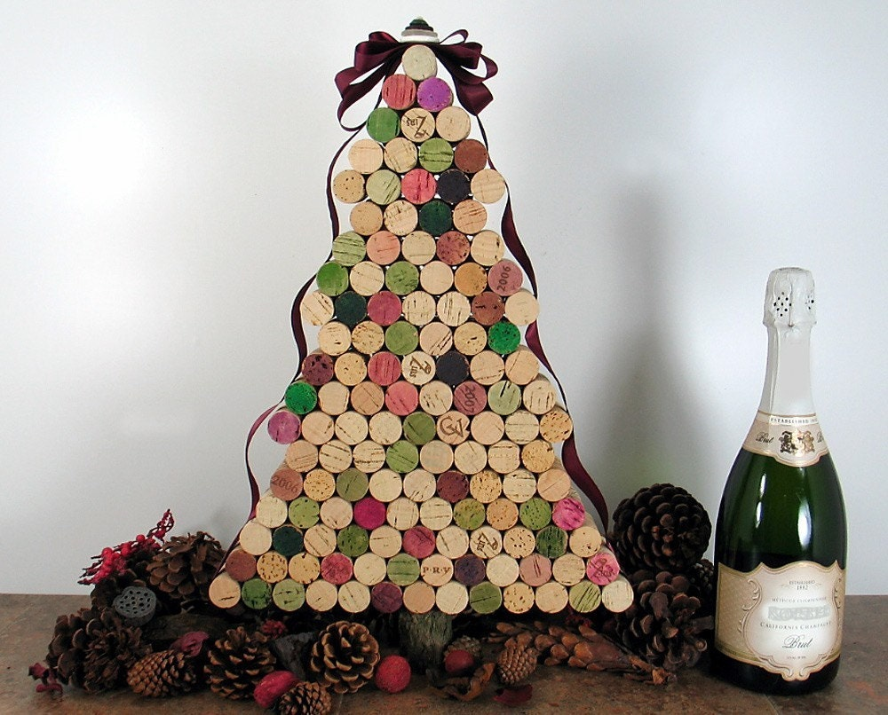 Árvore de Natal reciclada - rolhas de garrafas de vinho