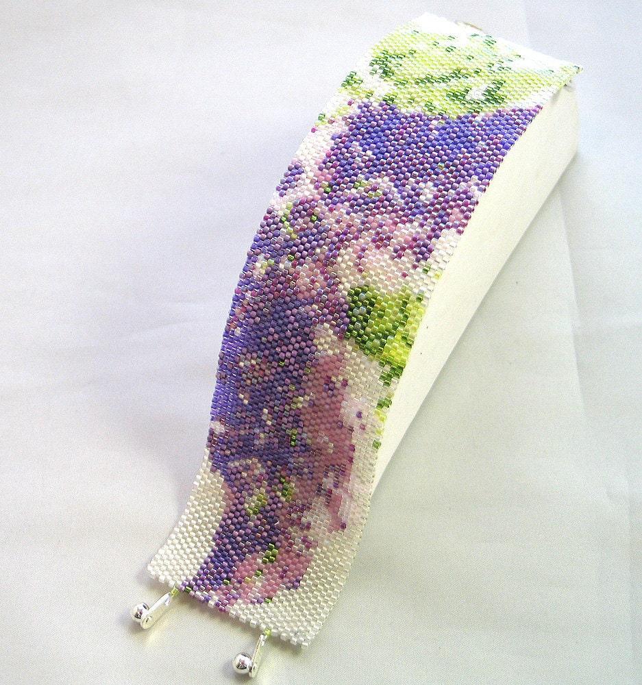 Hannah Rosner cuff bracelet bead pattern peyote stitch lilac