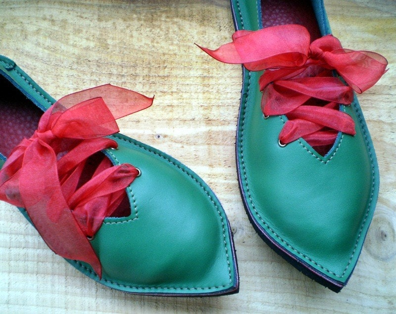 QUEENIE, UK 4, D fitting, handmade shoes, Emerald green leather