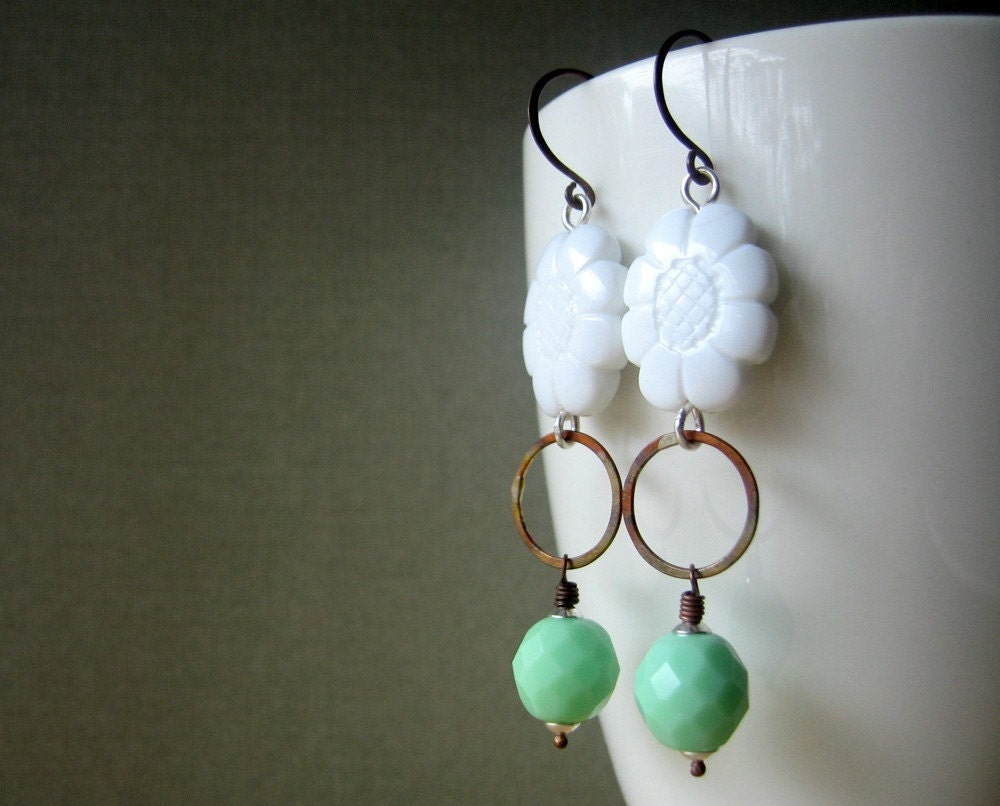 Spring flowers - copper, vintage bead and czech glass