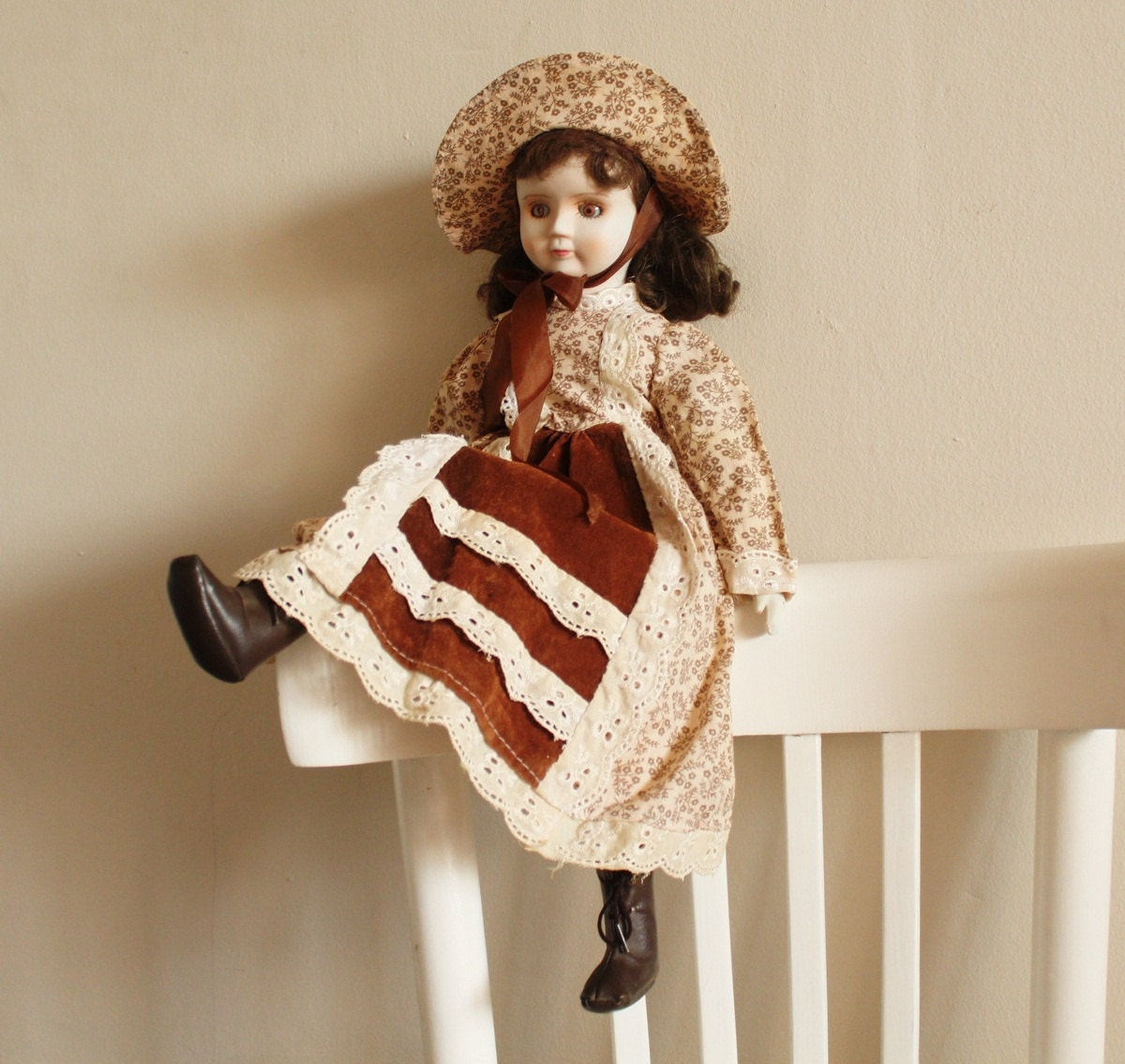Old fashioned doll clothes 36