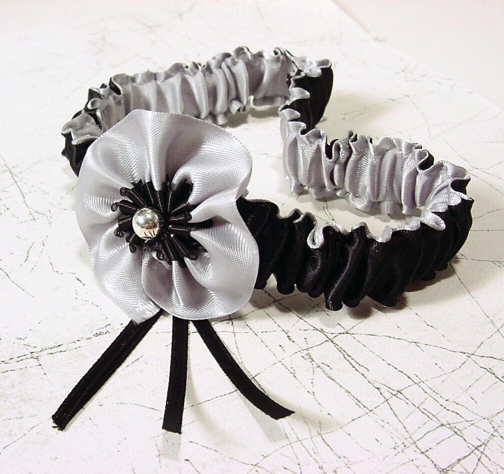 Simply Elegant garter PLATINUM and BLACK  for MY LADY wedding or boudoir