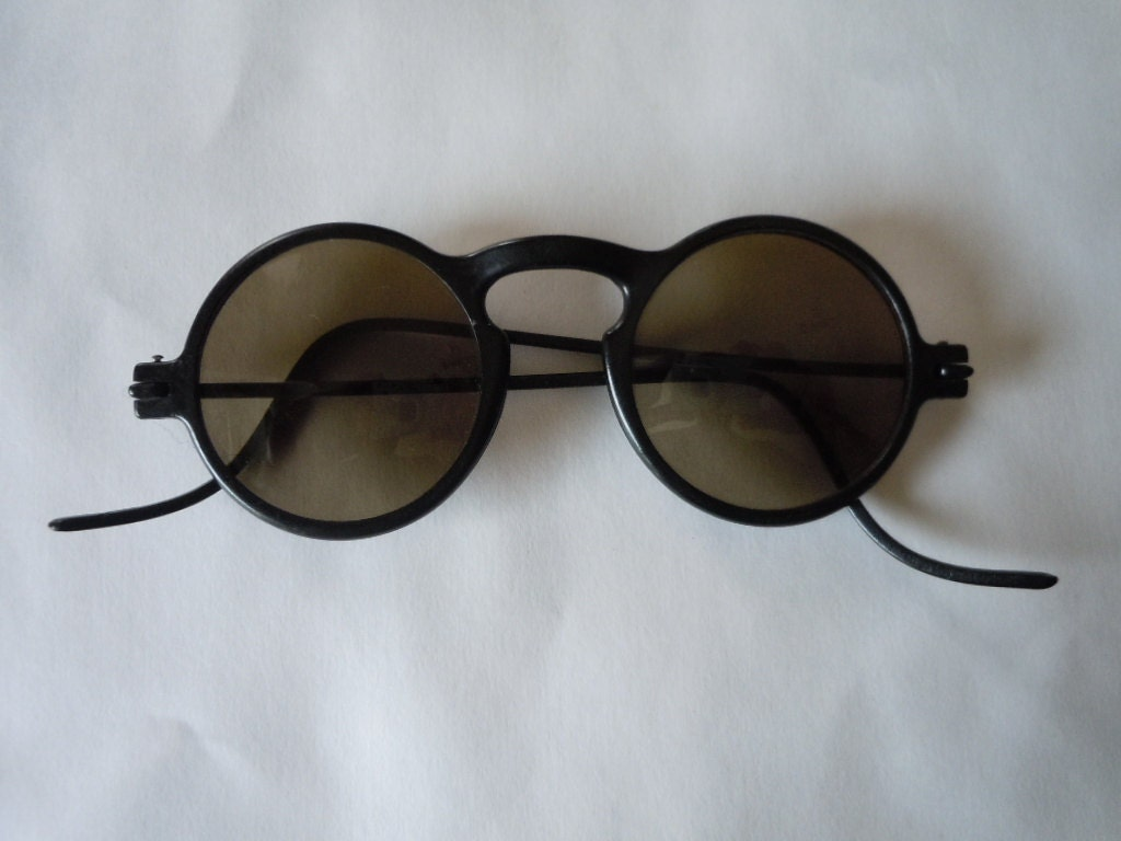 1920s sunglasses