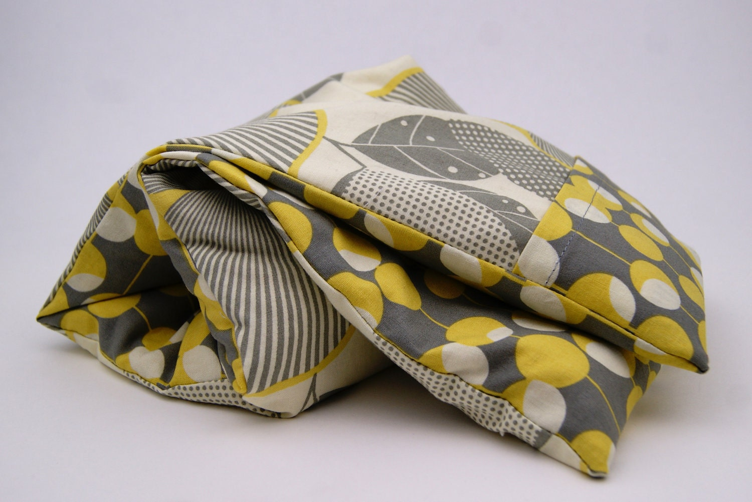 "Neck Kozi ""Relax"" - Microwavable corn bag with a washable cover. Heating pad cold pack. Grey - Yellow - HollyWorks"