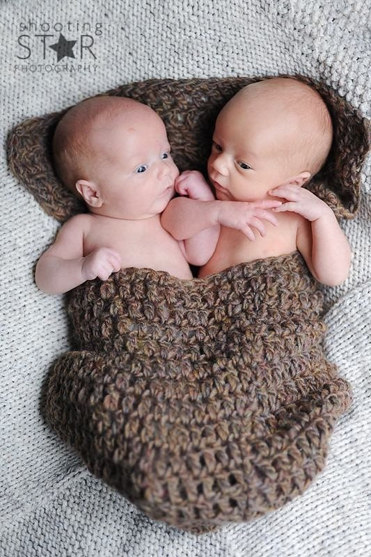 Gemini cocoon hand-crocheted for two infants