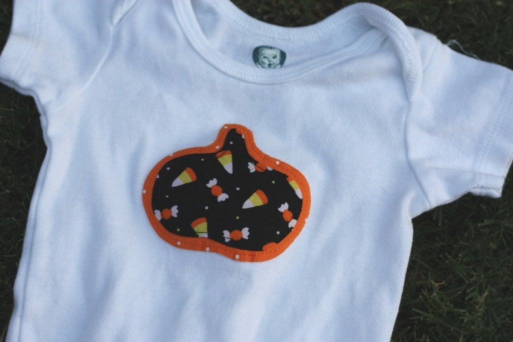 SALE Halloween black and orange candy Pumpkin applique onesie 9-12 months