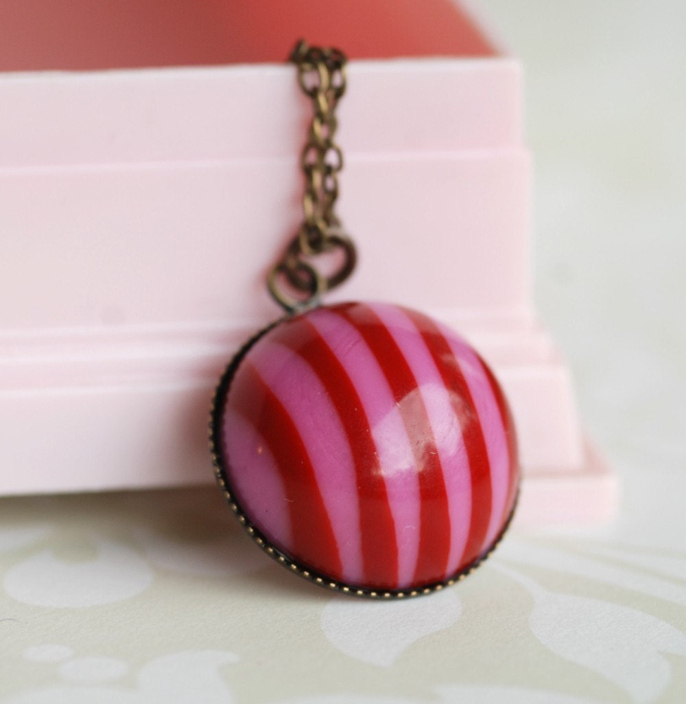 candy striped vintage lucite necklace