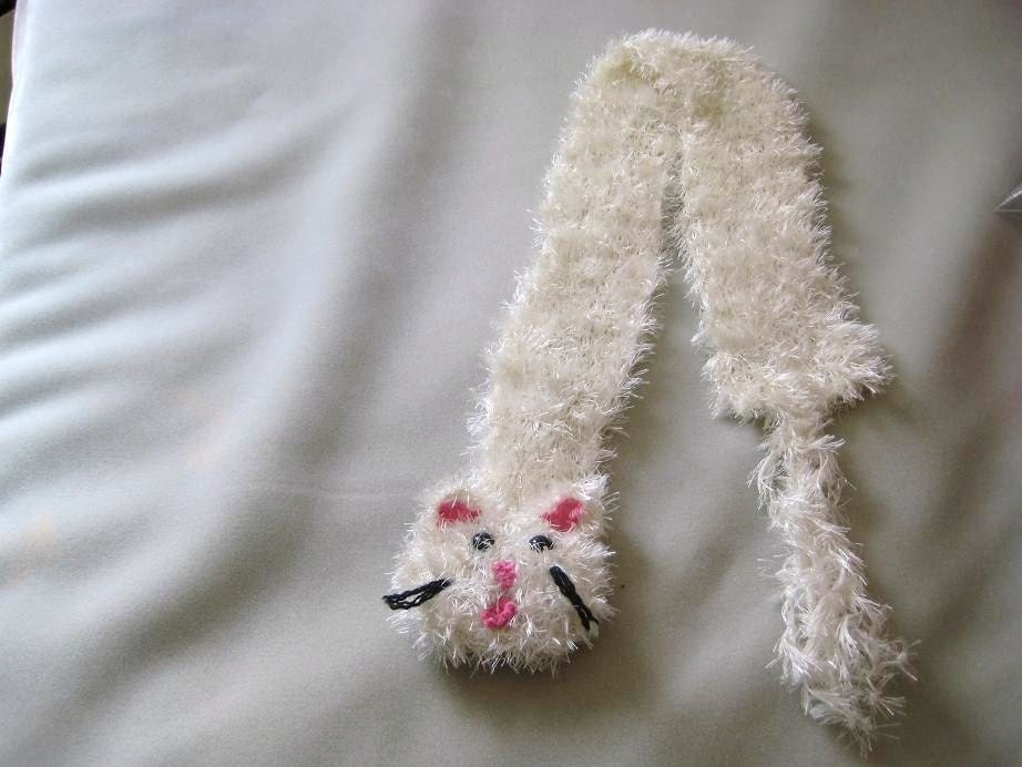 SALE-READY NOW-DESIGNER-KITTEN SCARF HAND KNIT by GERRY-Snowball-Wearable Art-FREE scarf pin