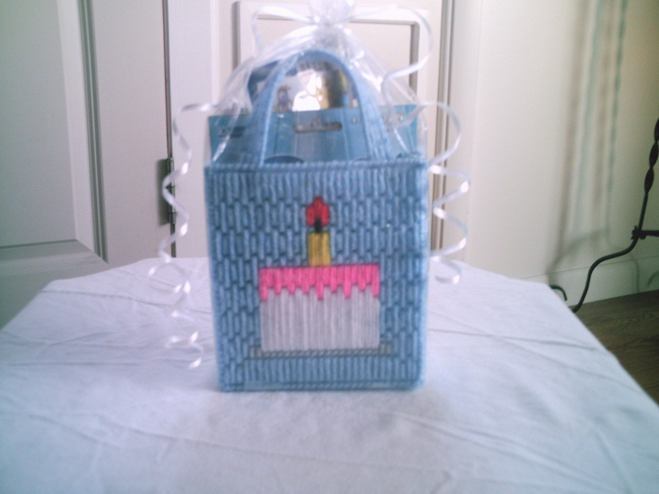 Plastic Canvas Birthday Gift Bag (Clearance)