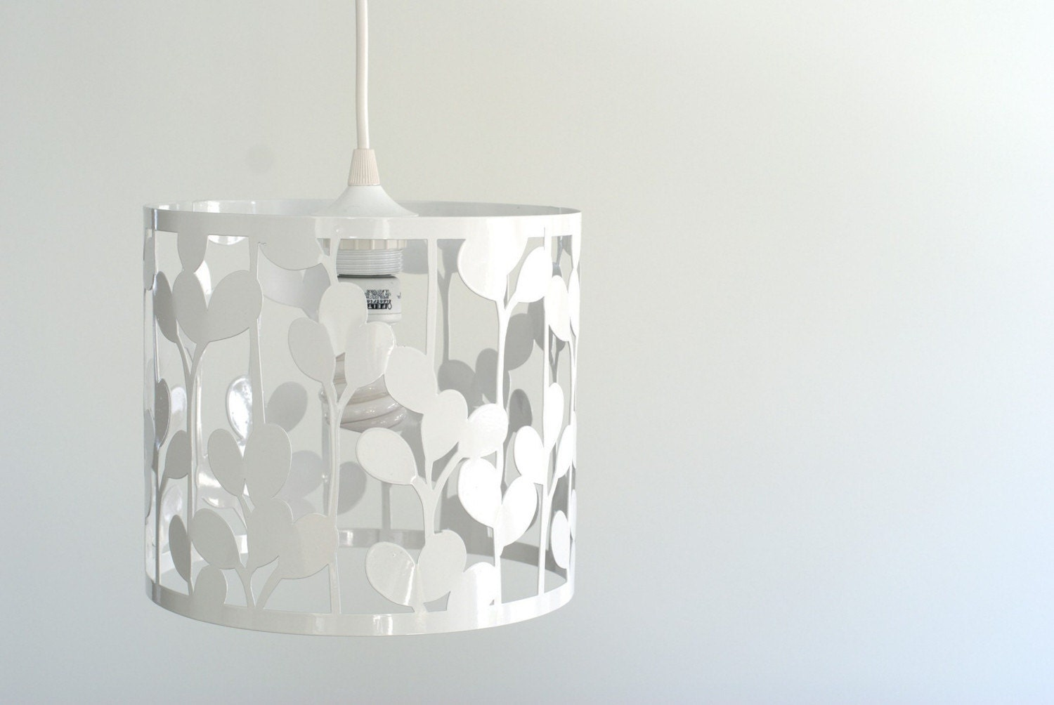 vertical leaf pendant light