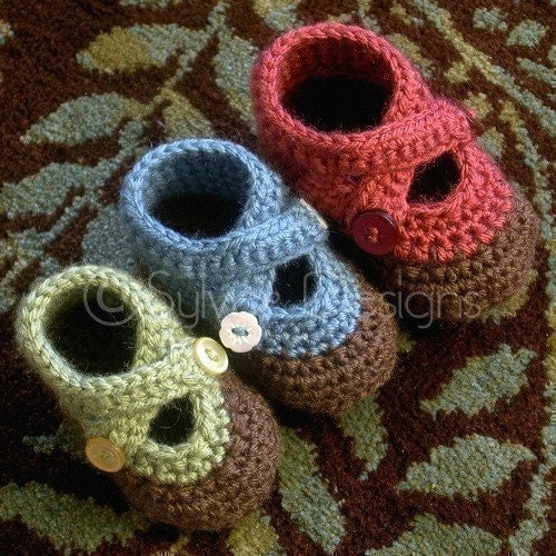 Baby Booties free online crochet pattern from crochet kitty